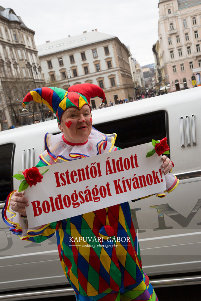 agocsvirag_azeskuvoszervezod_cirkuszoseskuvo26